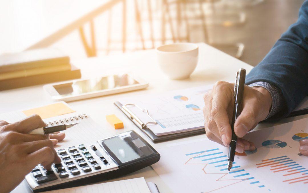 احسب التكاليف والمكاسب المترتبة على تبني ممارسات تجارية أكثر أخلاقية